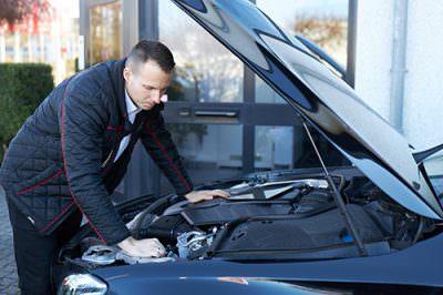Wertermittlung, Schadensgutachten, Unfallgutachten, Fahrzeugbewertung, Schadensbewertung für PKW und KFZ